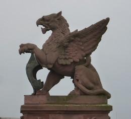 mythos statues 2